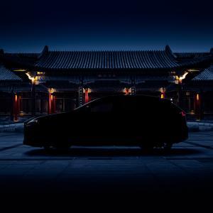 レクサス新型NX 6月12日に世界初披露!サイドシルエットが公開!