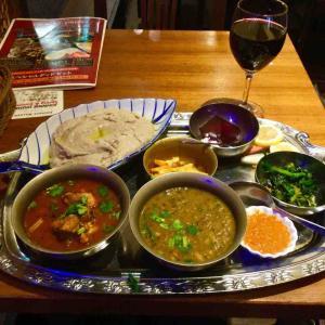 ネパール郷土料理 スペシャルディドセットを食べる! トムボーイ