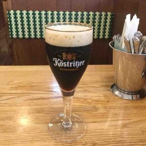 文豪ゲーテが愛した黒ビールとアイスバインで一人飲み つばめグリル