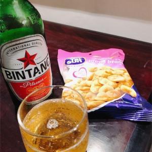 ジャカルタ・スカルノハッタ空港でビール