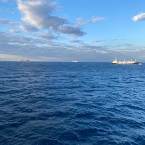 大海原を航海中