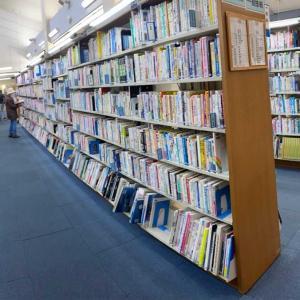 春休み中の娘と図書館へ📚
