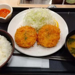 とんかつ専門店【松のや】のチキンキエフ定食