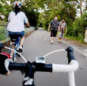 東京都の自転車保険義務化は車の保険で対応できるか?