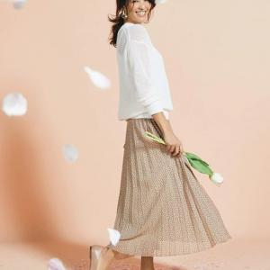 春の新作アイテム特集★大人、輝く服。DoCLASSE公式通販サイト