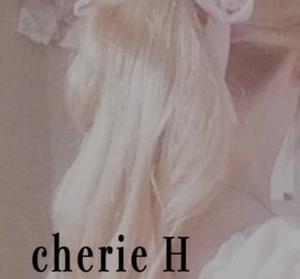 フェミニンでエレガントな女性の為に素敵なファッションを提供する 【cherie H シェリーエイチ】