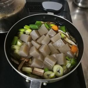 【今日の食卓】山形県内陸風芋煮