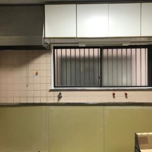 ふるいタイル壁のキッチンを綺麗にする方法