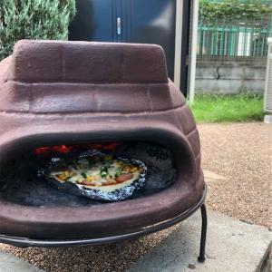 夏だ!チムニーのピザ窯でピザを焼いてみた☆