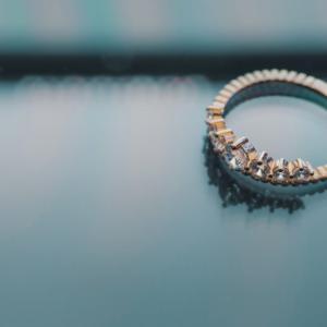 プロポーズの時、指輪をパカッとするべき?一緒に買うべき?【私の答え】