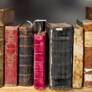 心に響く言葉が沢山。幸せやセルフラブについて学べる洋書の本5選