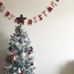 ニトリで全てが揃う雪のクリスマスツリー&ツリーの飾り方