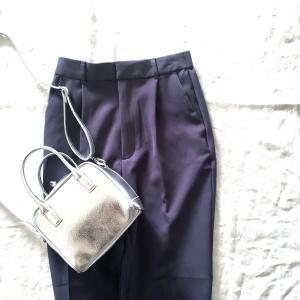 GUで見つけた高見えバッグと爽やかブルーのストレッチテーパードパンツで春を先取り