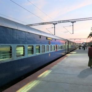 寝台列車で怪しい男?をかわし、インド最南端の街カニャクマリへ【SIM購入情報あり】