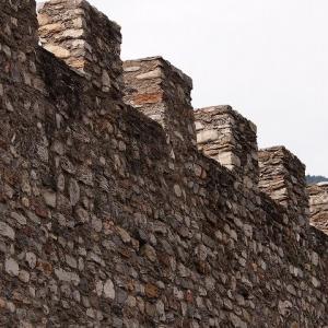 城壁の町ベリンツォーナ アルプス地方周遊ドライブ旅行 29