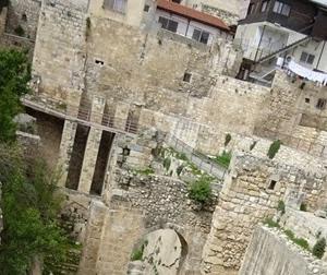 発掘されたベテスダの池と、聖アンナ教会 イスラエル旅行記 28