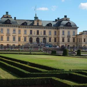 ドロットニングホルム宮殿のロマンチックな庭を散策する 北欧旅行 5