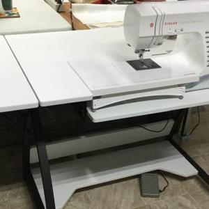 ミシンのお机 - My 'Sewing' Table