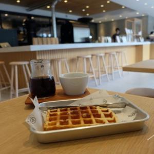 ヴァーヴ コーヒー ロースターズ北鎌倉店|焙煎所併設のカフェでモーニング
