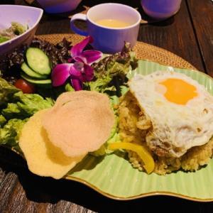 バリ風カフェ『KUPU-KUPU(クプクプ)』のインドネシア料理でランチタイム