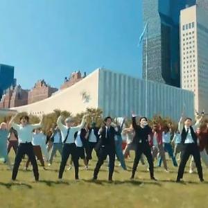 BTSが国連で We don't need permission to dance と宣言したので、コロナはもう終盤なんだろうとたけしくんは思いました。