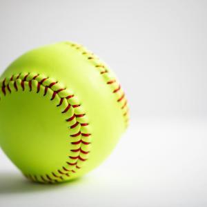 プロ野球で1試合に使用するボールの数を計算してみた