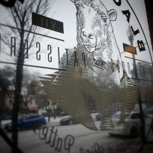 @カルガリーのカフェ!【BLACK SHEEP】美しすぎるクロワッサン!シルクのようなFlat White & カプチーノ!!