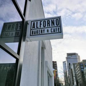 @カルガリーのカフェ!【ALFORNO BAKERY & CAFE】朝ごはんからディナーまで 公園近くのおしゃれカフェ!