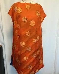 オレンジ色の羽織と紺染め着物のリバーシブルジャンバースカート