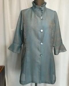 玉虫色の夏用着物コートでジャケット