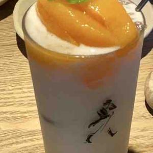中谷農園さんとのコラボメニュー 桃のスムージー 大人気です