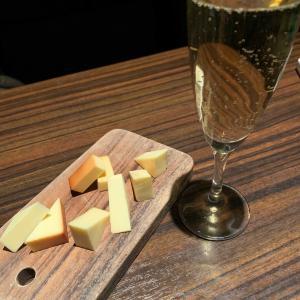燻製チーズとワインは最高です!