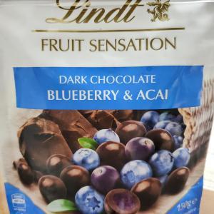 【 金沢のお土産 】  Lindt のブルーベリー・チョコレート