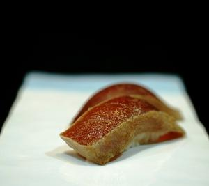 マグロ漬け(ヅケ)握り寿司