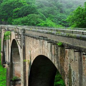 雨のめがね橋