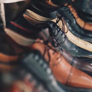 イギリスの靴ブランド15選、ノーザンプトンでファクトリーショップ巡り。日曜日でも営業のお店は?