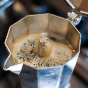 合理的なイタリア人、実はカフェイン量が少ないエスプレッソ。