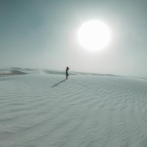 神秘的な世界!アメリカの白い砂漠-ホワイトサンズ