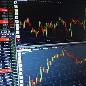 持ち株と投資信託を利益確定、VOOを定期買付予定