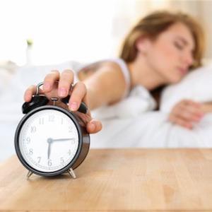 目覚ましアラームの音が嫌いな人必見!今すぐできる5つの改善策。