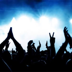 ノリノリになれる洋楽EDM10選!サビで一気に盛り上がる人気曲。