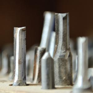 木工用と金属用の切削工具(刃物)の違い
