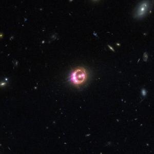 エイリアンの証拠になるかもしれない、「消失する」星を見つけた