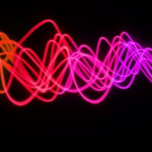 物理学者は「不可能」を試みようとしています - 光を物質に変えることです