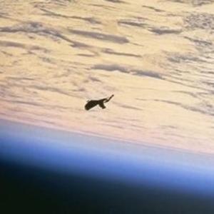 ブラック・ナイトUFO衛星のクリア画像