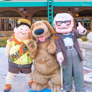 映画『カールじいさんの空飛ぶ家』 – 東京ディズニーランドとシーで会える登場キャラクターは?