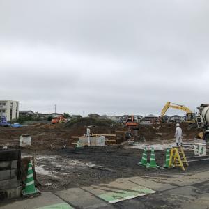 社宅跡地で建設工事が進む(2020年7月18日)