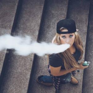 VAPEで禁煙なんて、、、w