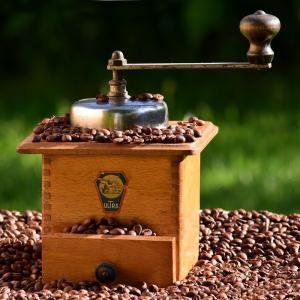 コーヒーミルの選び方,手動と電動の選ぶのはどっち?