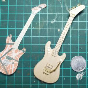 ヴァン・ヘイレンのミニチュアギタープロトタイプ完成